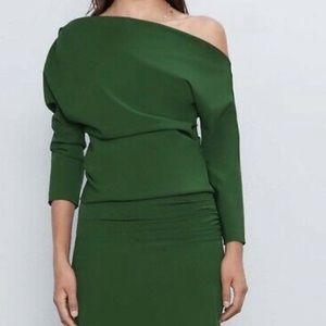 NWOT Zara ruched sleeve emerald green top
